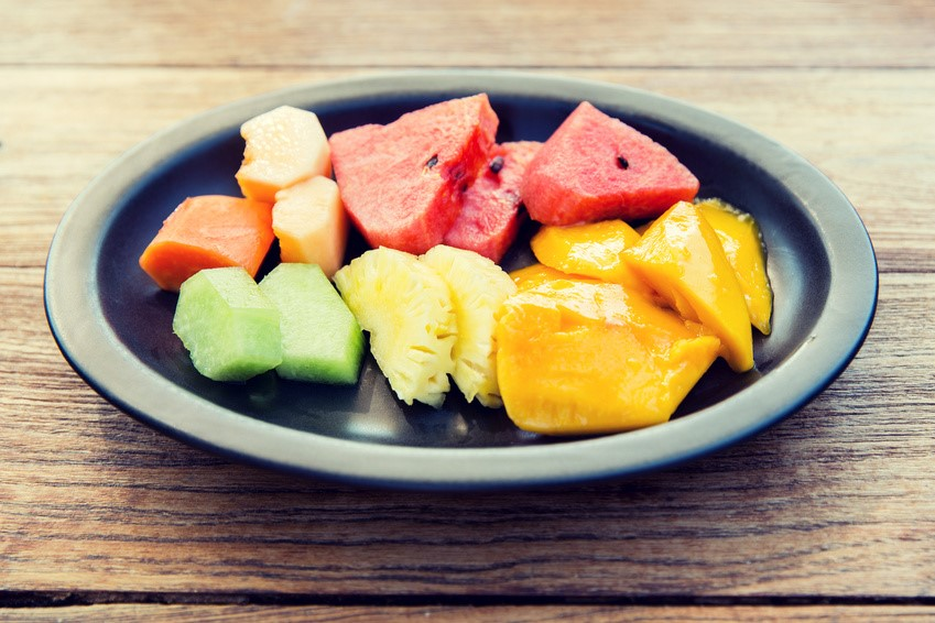 Only eating fruit for dinner can make you fatter