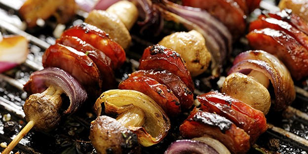 Chorizo skewer with mushrooms and onion